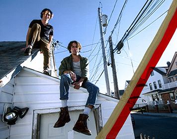 Lewis Del Mar + Paper boat sailors